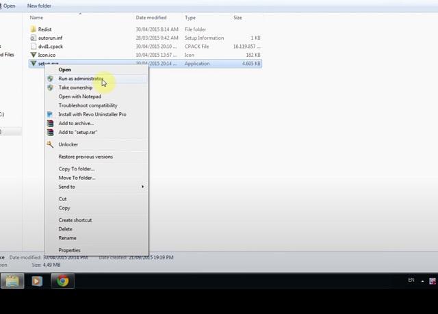 Vào thư mục DVD1, ấn chuột phải vào Setup.exe, chọn Run as administrator