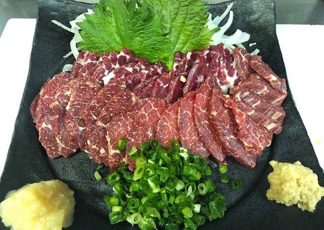 Bật mí cách chế biến món thịt ngựa xào rau răm