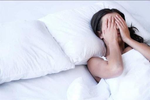 Ngủ mơ thấy quan hệ với bạn thân